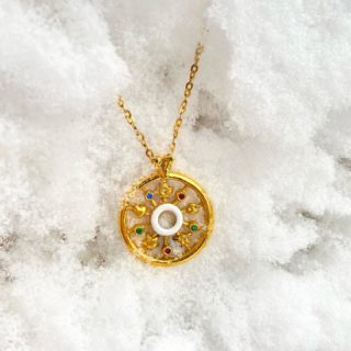 To appreciate the beauty of a snowflake, it is necessary to stand out in the cold❄️ #orovildiridis #vildiridis #yourlovemessenger #trohos #snow #goldpendant #goldplated #handmadejewelry #enameljewelry #enamelpendant #handmadependant #goldnecklace #luckycharm #greek #greekjewelry #greekjewelrydesigners #snowflakes #letitsnow #giftforher #shoponline #luxurylifestyle #luxuryjewelry #surprisedelivery #expressdelivery